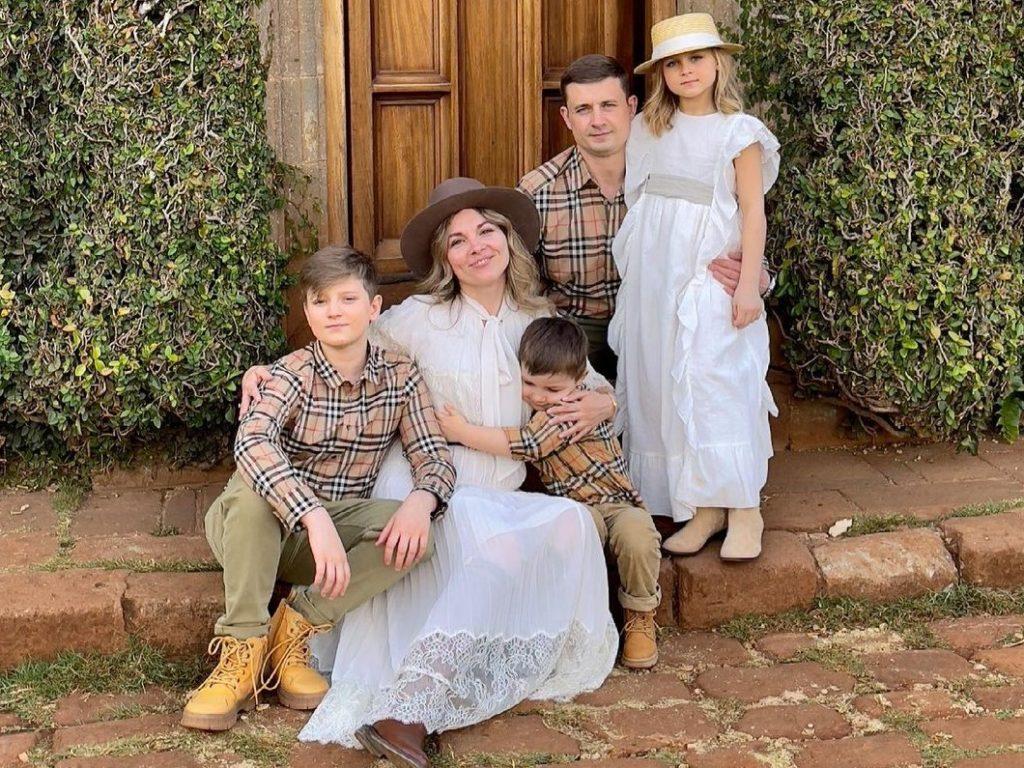 Отношения в семье влияют на самооценку - фото